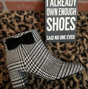 Kate Spade Tweed Plaid Black White Heel Boots 11M